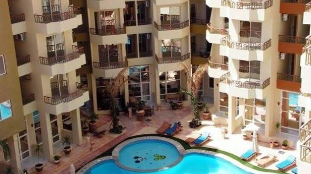 URGENT SALE!!! SPACIOUS APARTMENT IN A PRESTIGIOUS COMPLEX IN ARABIA DISTRICT  GREAT PRICE AND LOCATION!!!